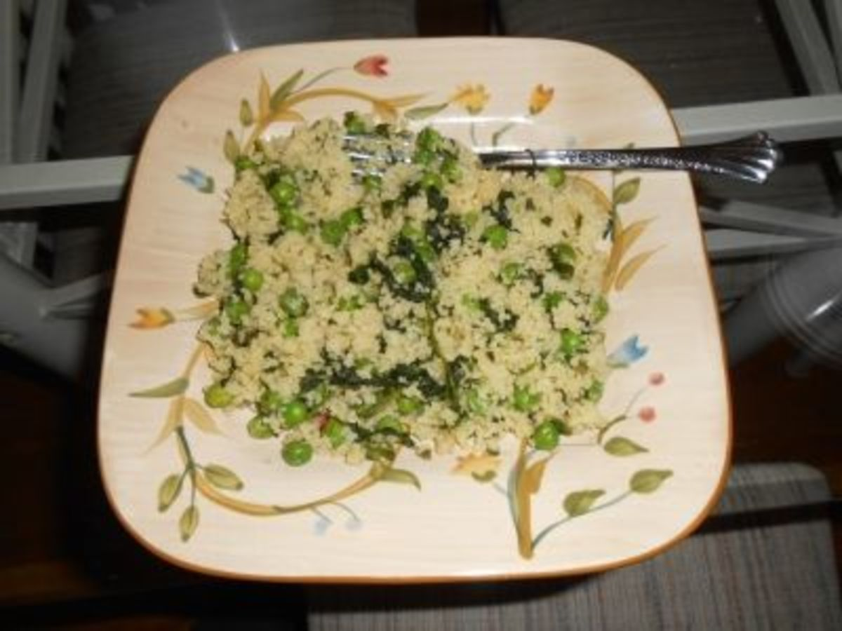 Quinoa with Spinach and Peas