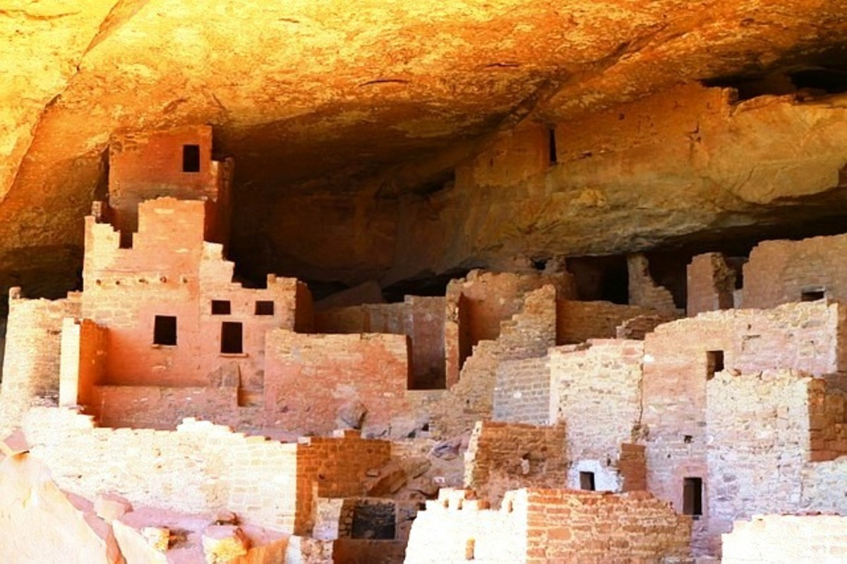 Mesa Verde - dwellings built inside of cave.
