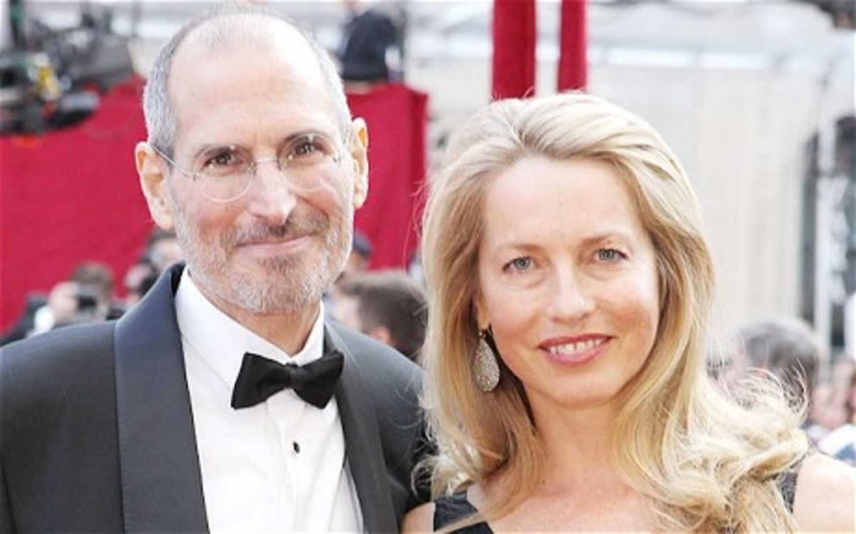 Steve Jobs with wife Laurene Powell in 2010