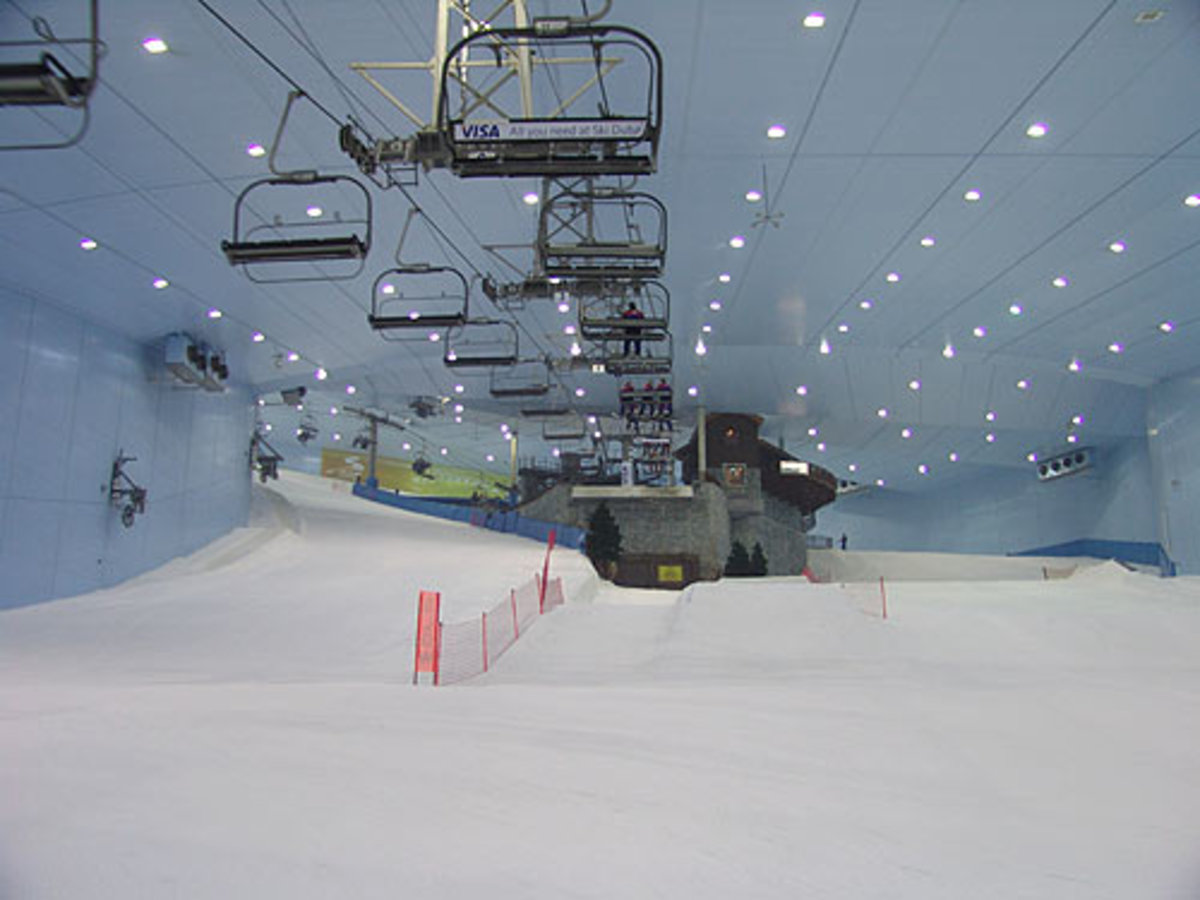 Mid-Slope in Ski Dubai - Mall of Emirates