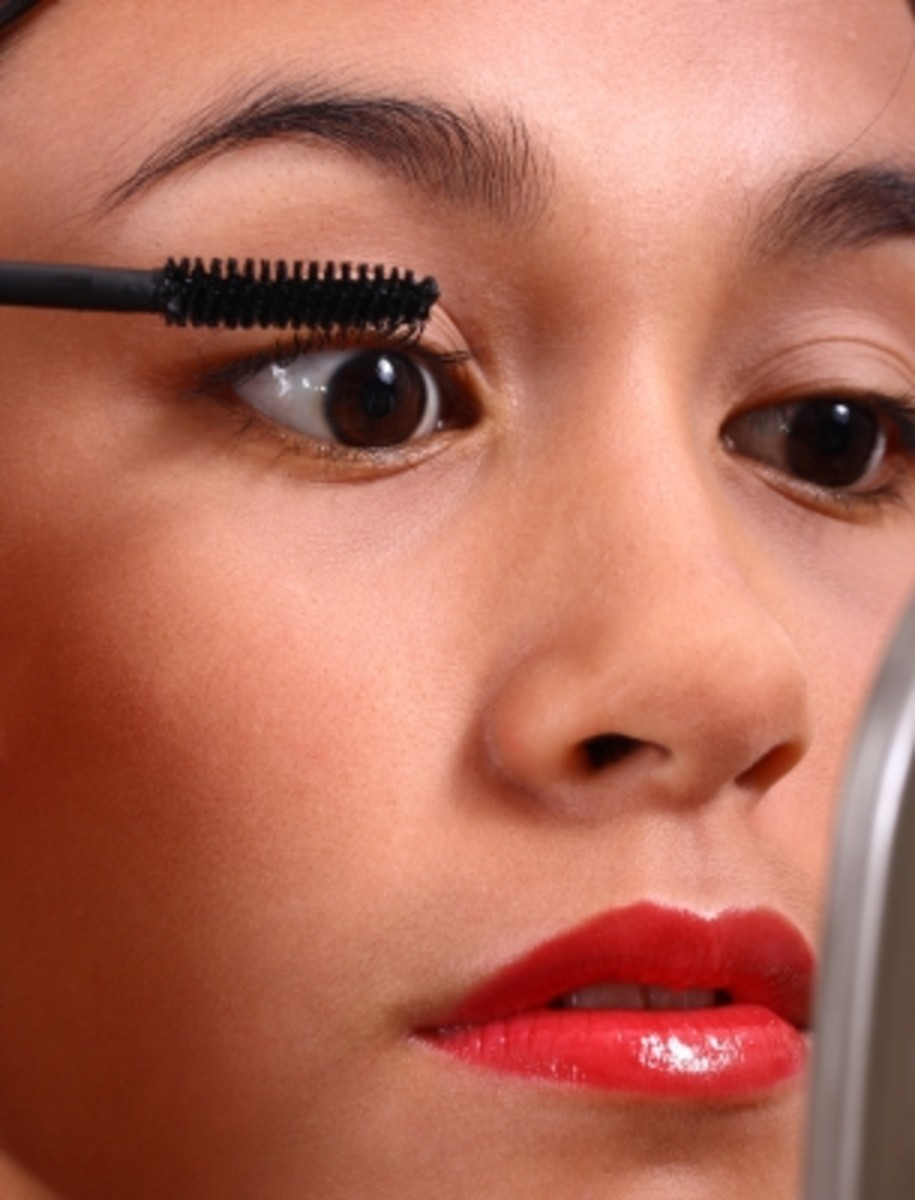 coat the upper lashes first and then a light coat on the bottom to avoid spider looking bottom lashes.