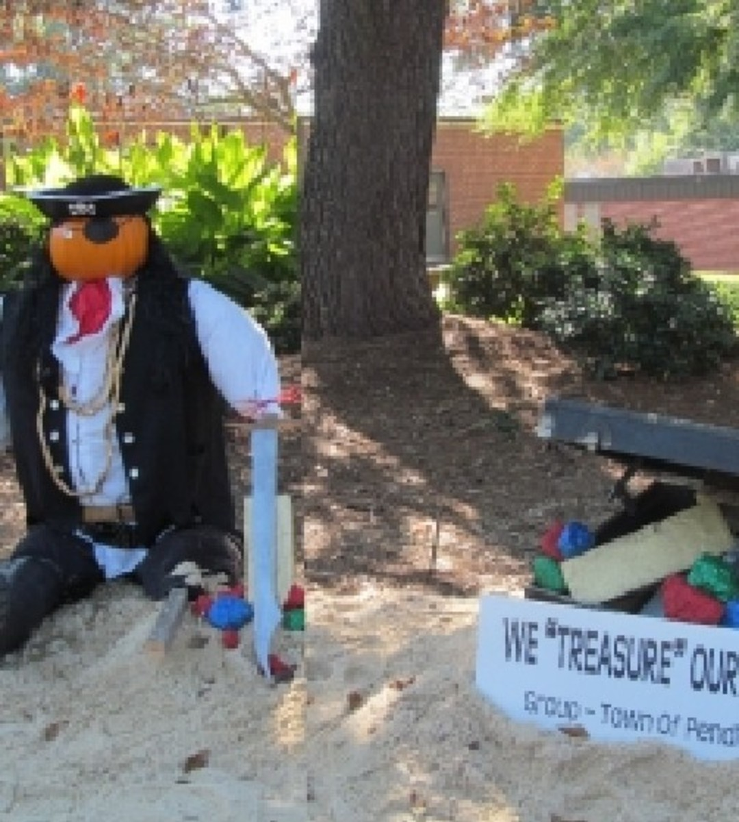 Photo Credit: Photo of Pendleton Town Hall Scarecrow display taken by OhMe