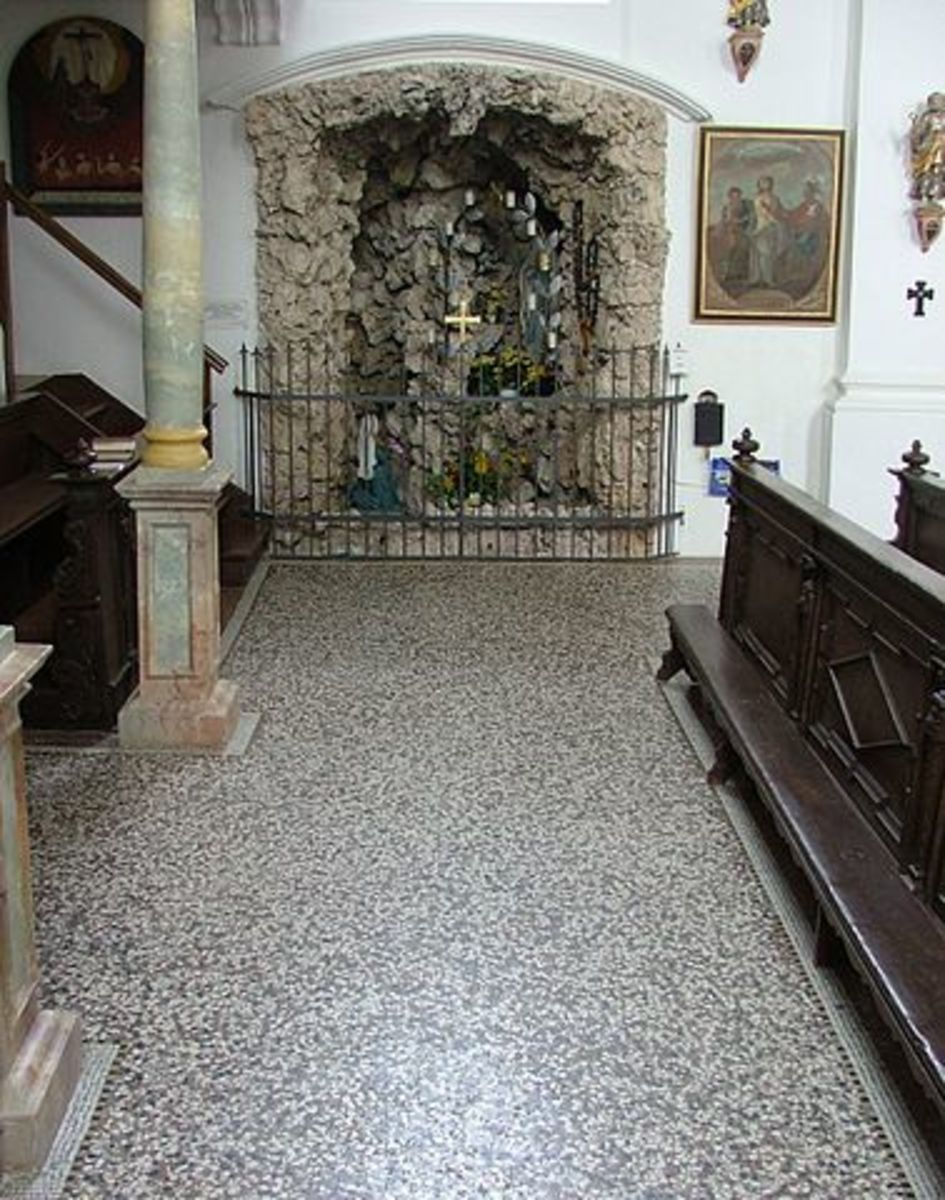 Lourdes Grotto, mosaic floor in terrazzo from 1886