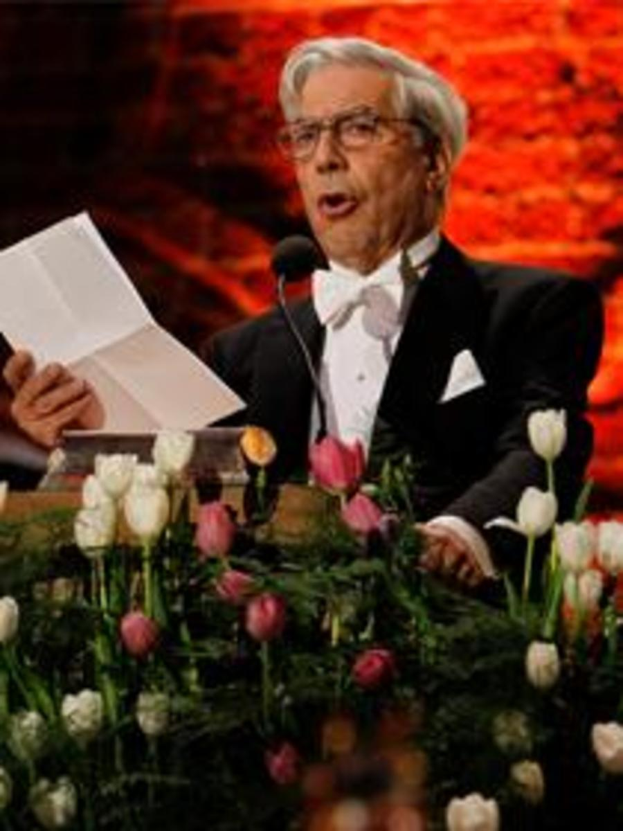 Llosa speaking at the Nobel awards ceremony. 2010.