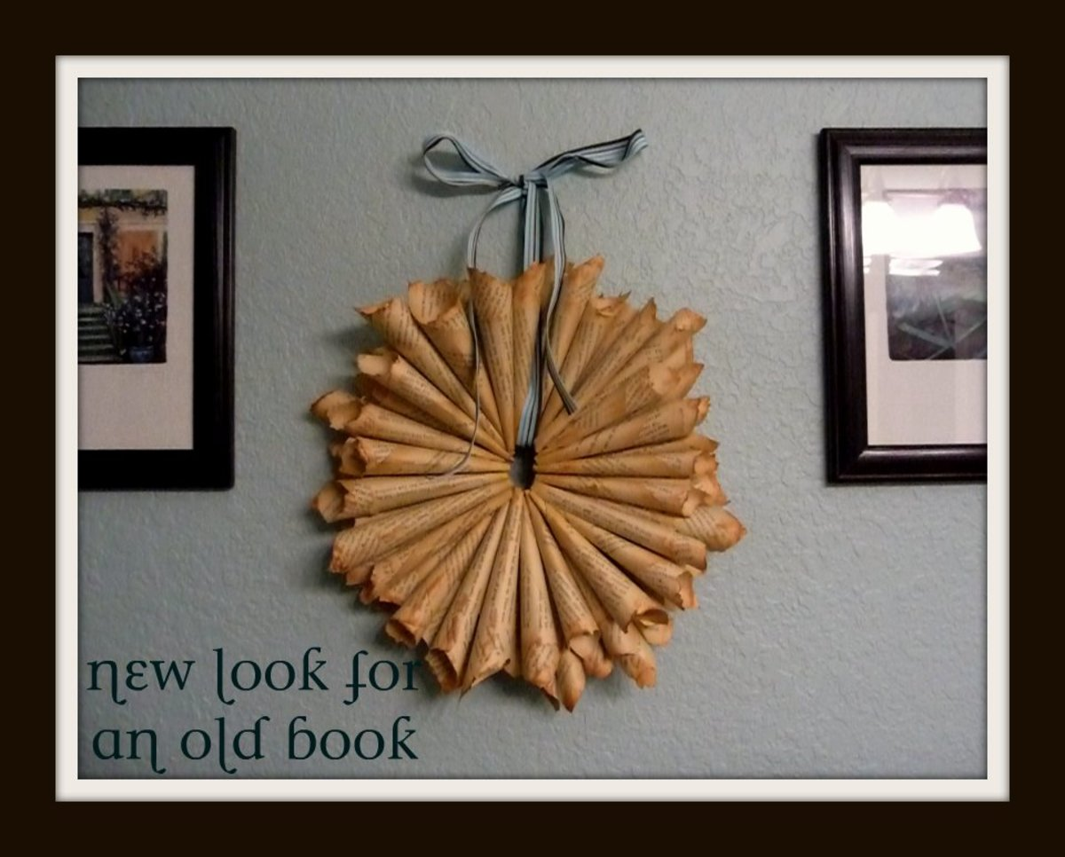 The aged look of the pages in this wreath appeals to many people.