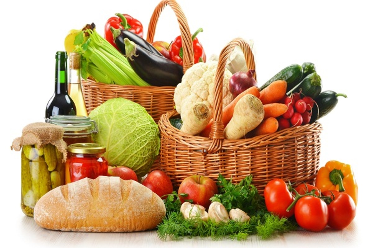 Certain vegetables an fruits can help you treat and prevent acne from the inside.