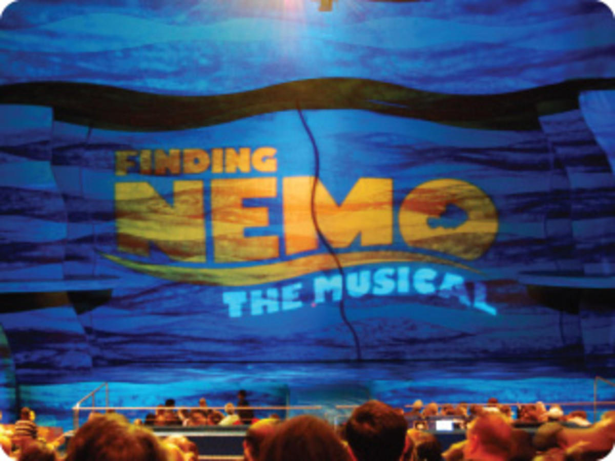 The ocean-like special effects to the Finding Nemo - The Musical set help draw the audience into the retelling.