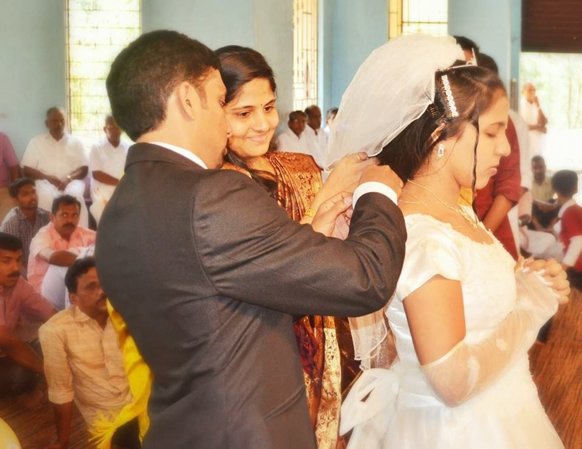 Tying the knot - Kerala Catholic Wedding