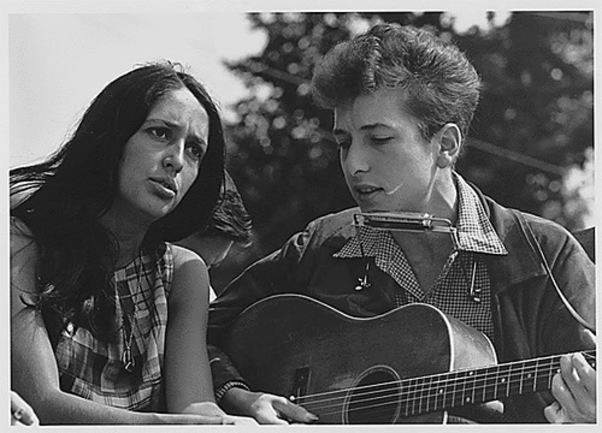 Bob Dylan and Joan Baez at 1963 March on Washington by USIA (NARA)