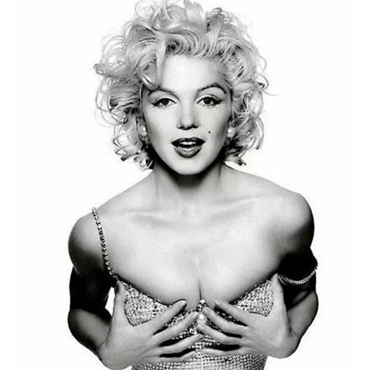 Being Marilyn Monroe: A Look Into the Soul of an Icon