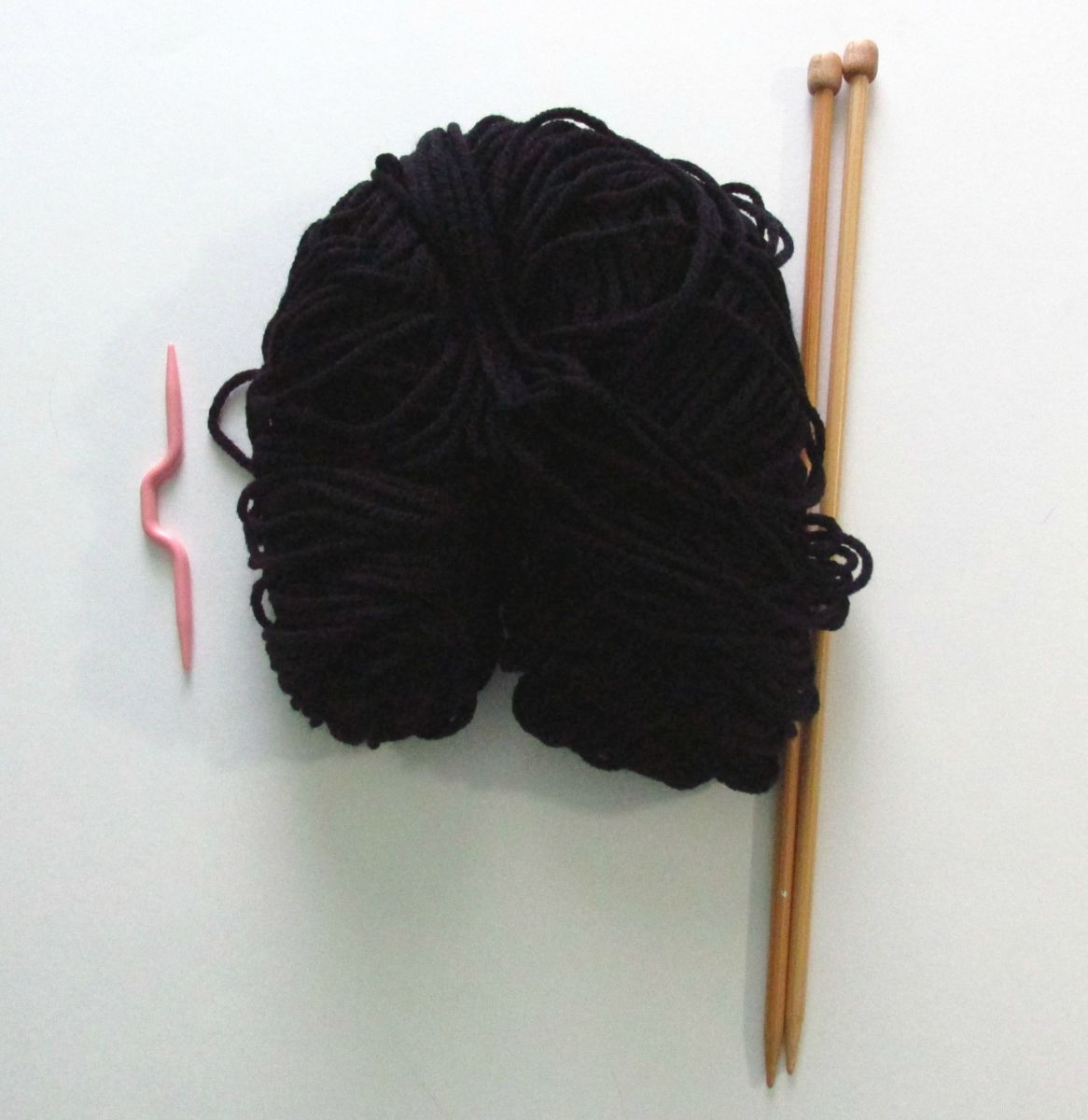Knitting Needle, Worsted Weight Yarn &  Cable Needle