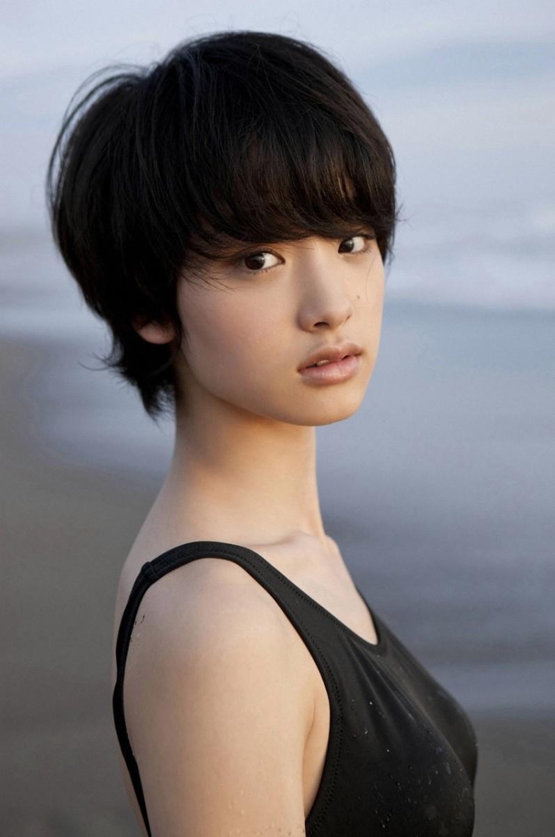 cute-japanese-actress-ayame-gouriki-from-the-city-of-kanagawa
