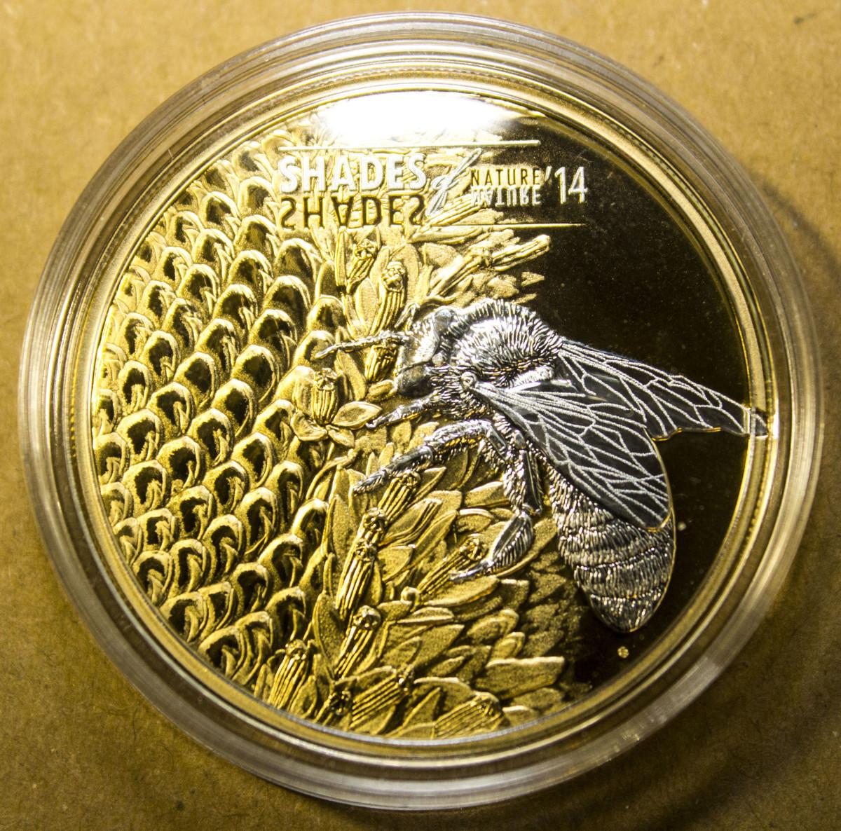 Elisabeth II 5 Dollar Bee Coin Reverse