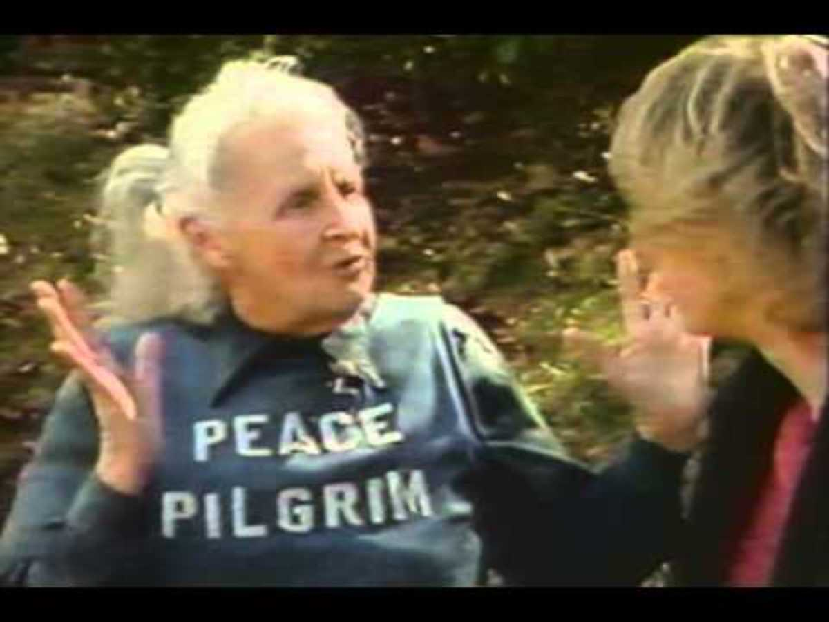 Peace Pilgrim speaking with someone she met during a walk