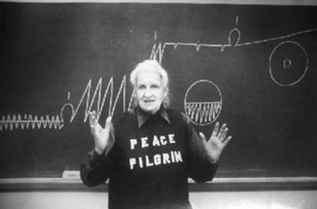Peace Pilgrim giving a talk