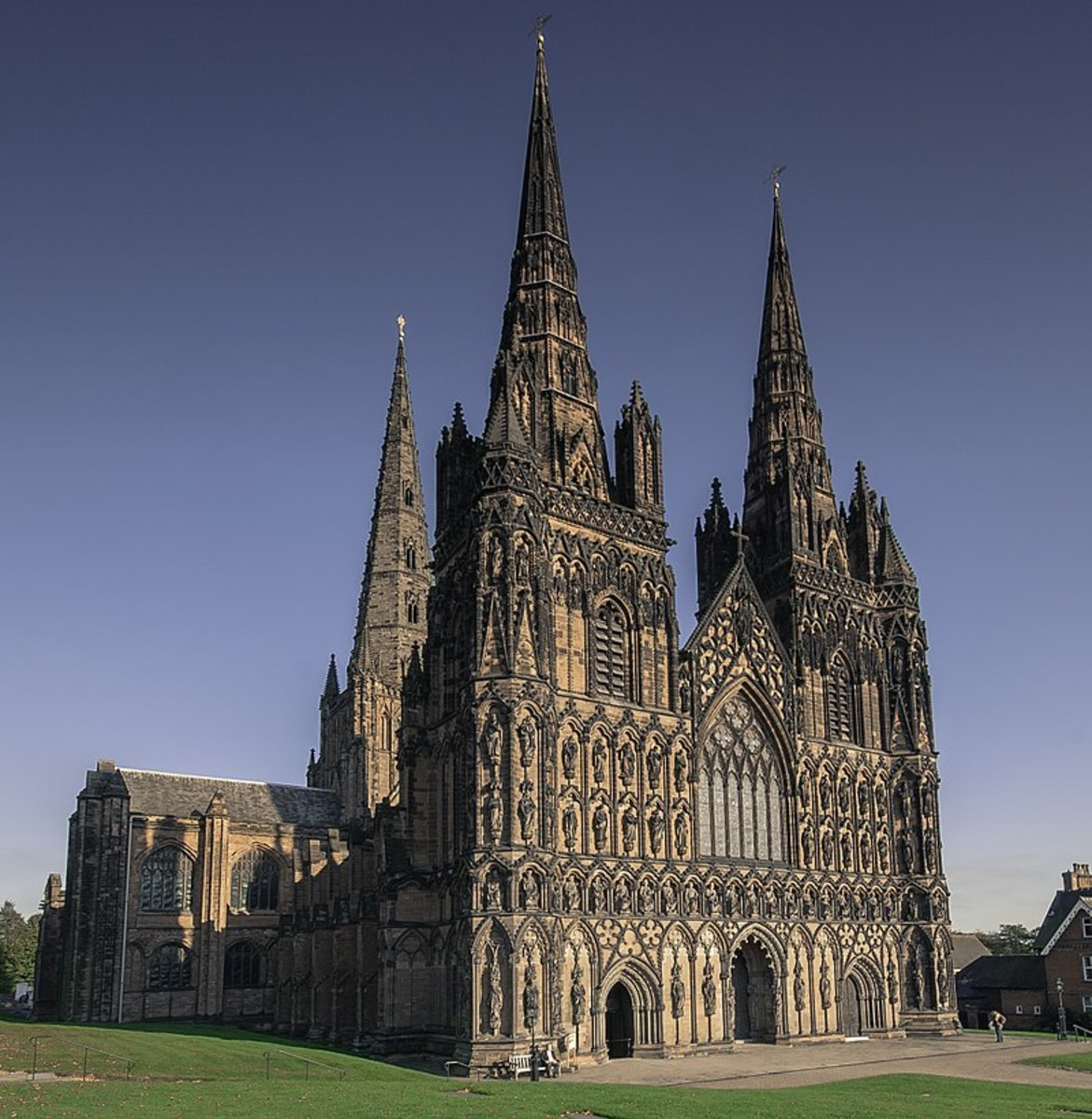 A picture of the west face of Lichfield Cathedral showcasing its three iconic spires. Source: Bs0u10e01 via Wikimedia Commons