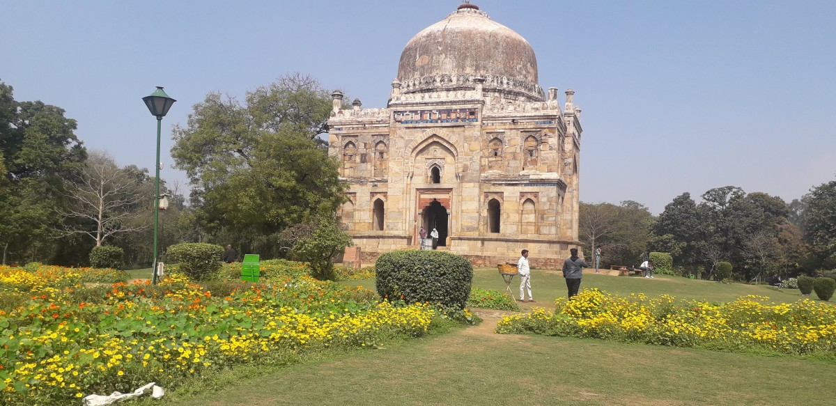 Lodhi Garden, Delhi is a combination of Heritage and Beautiful Nature