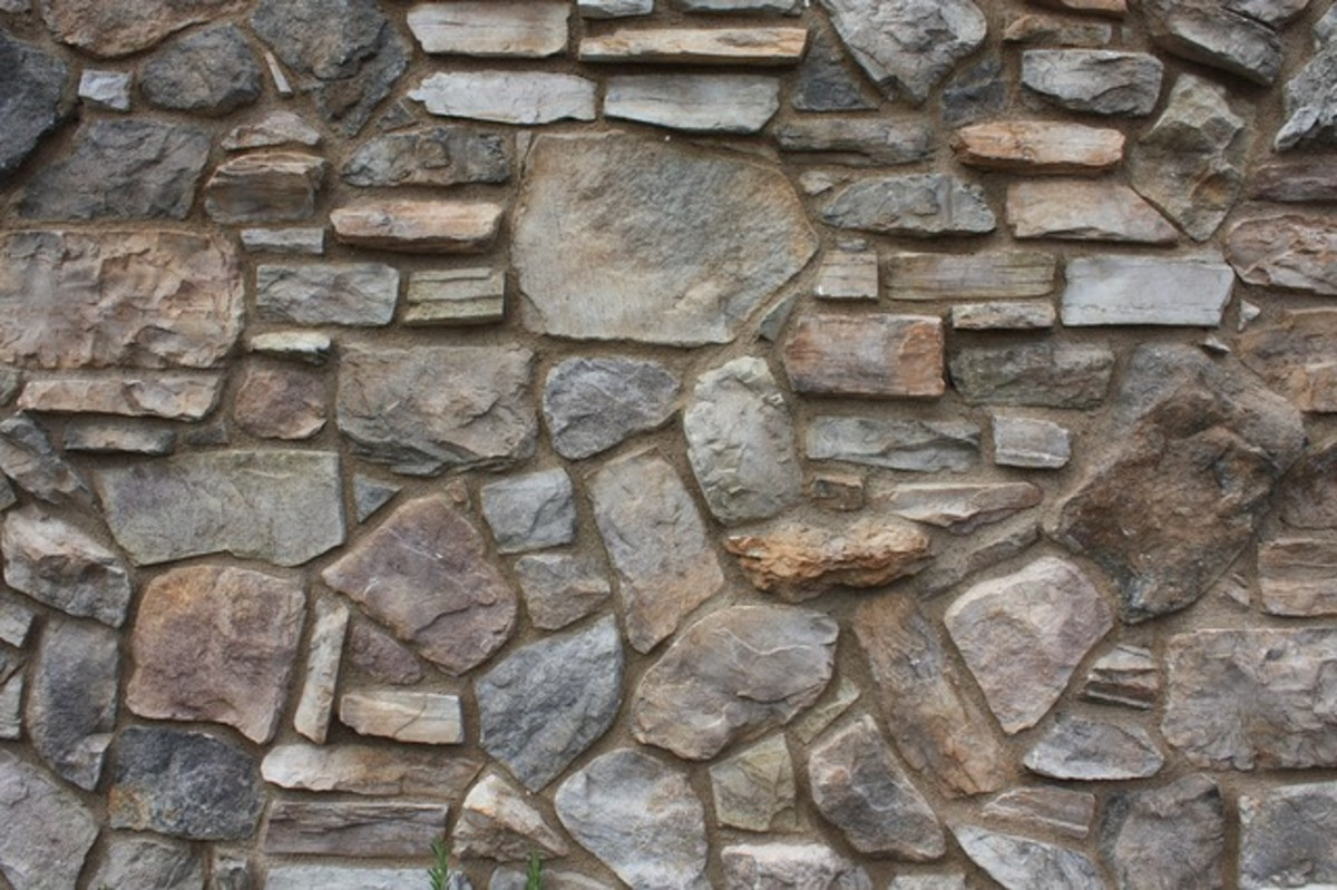 Few of us can afford natural stone siding these days. What are your alternatives? Can faux stone siding work?