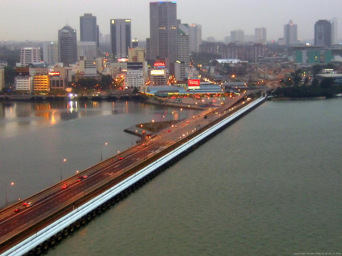 The causeway linking Jahor Bahru and Singapore