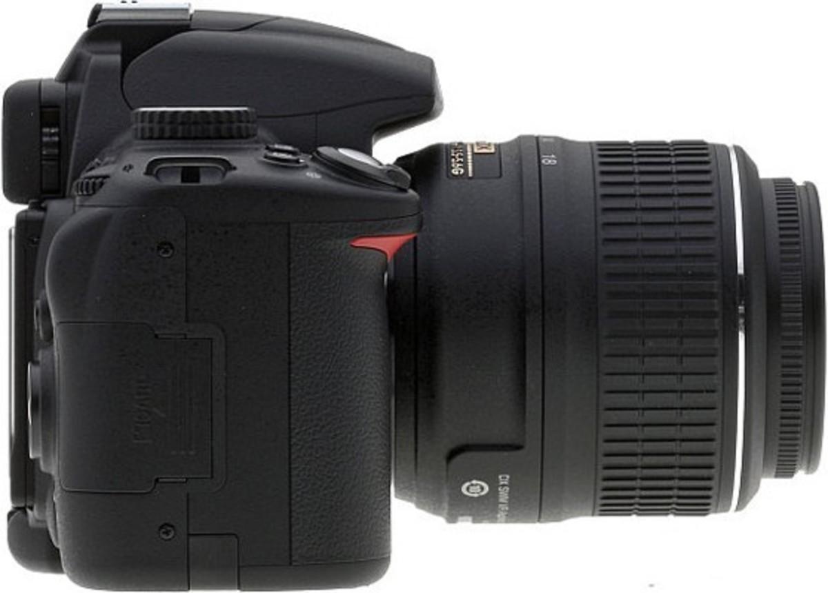 NIKON D5000 Sideview