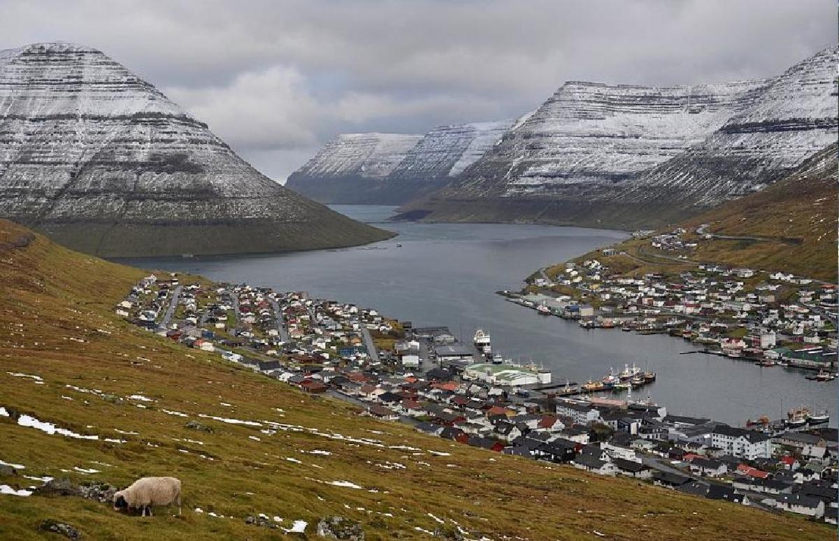 Klaksvík the 2nd largest town