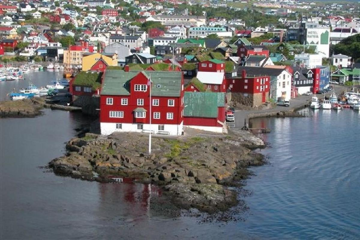 Tórshavn, seat of Government