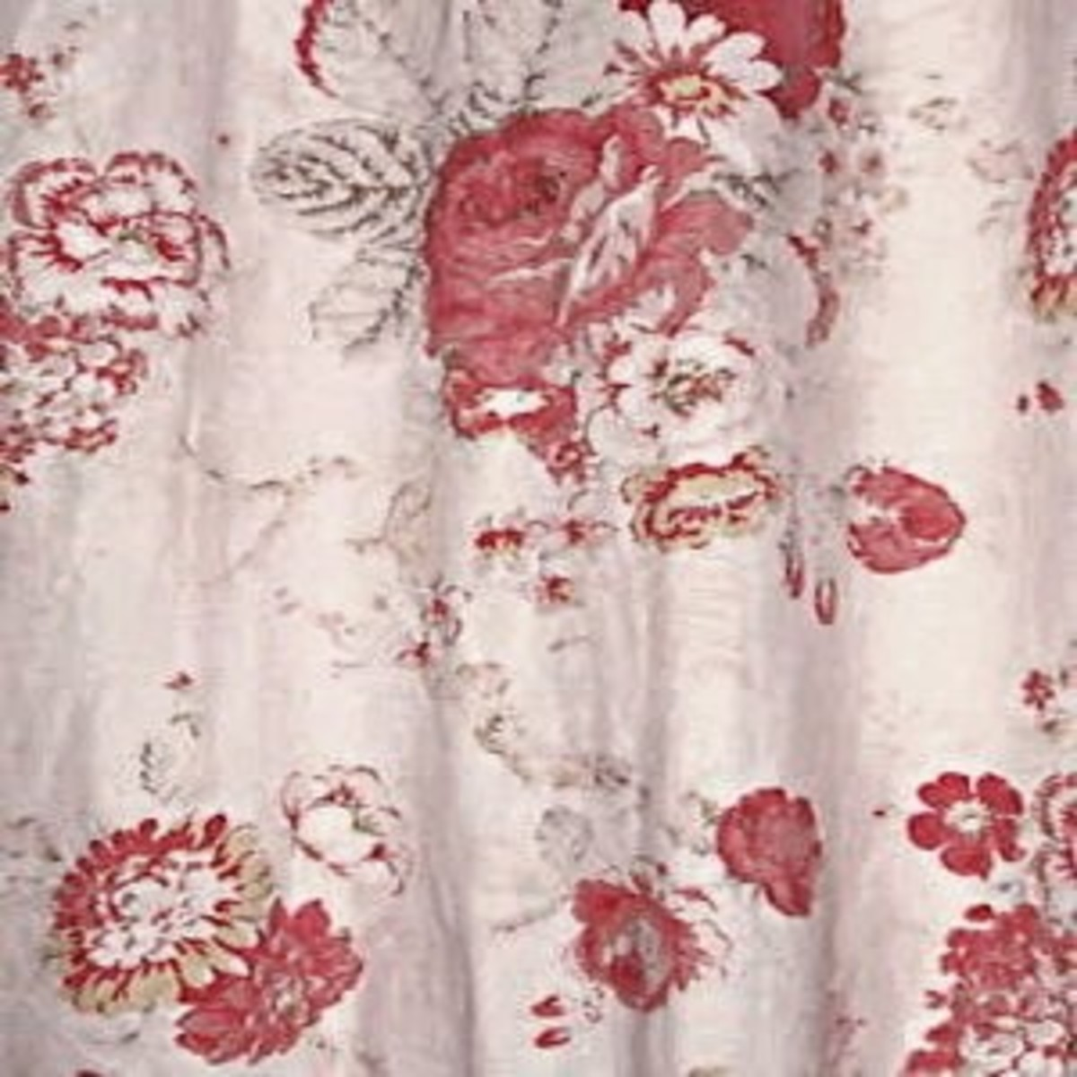 12-flirty-fun-pretty-shower-curtains-to-spice-up-your-bathroom