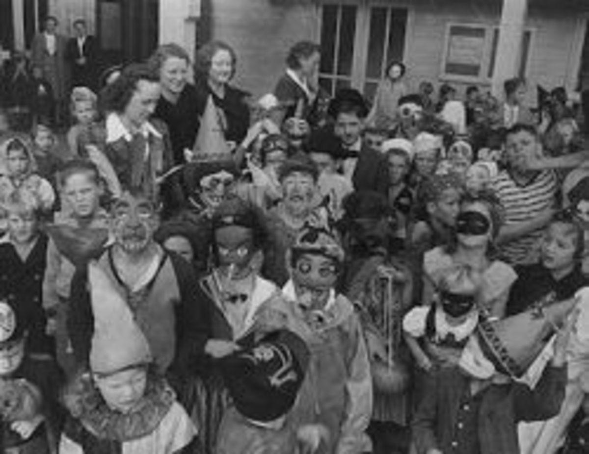 Vintage Halloween, Seattle, 1943