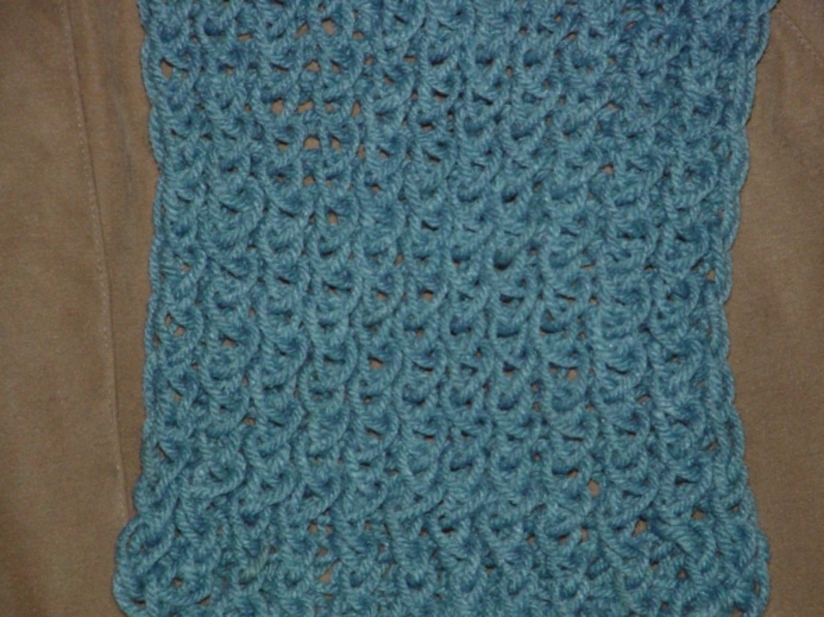 Figure 8 wrapped scarf knitted on the long loom