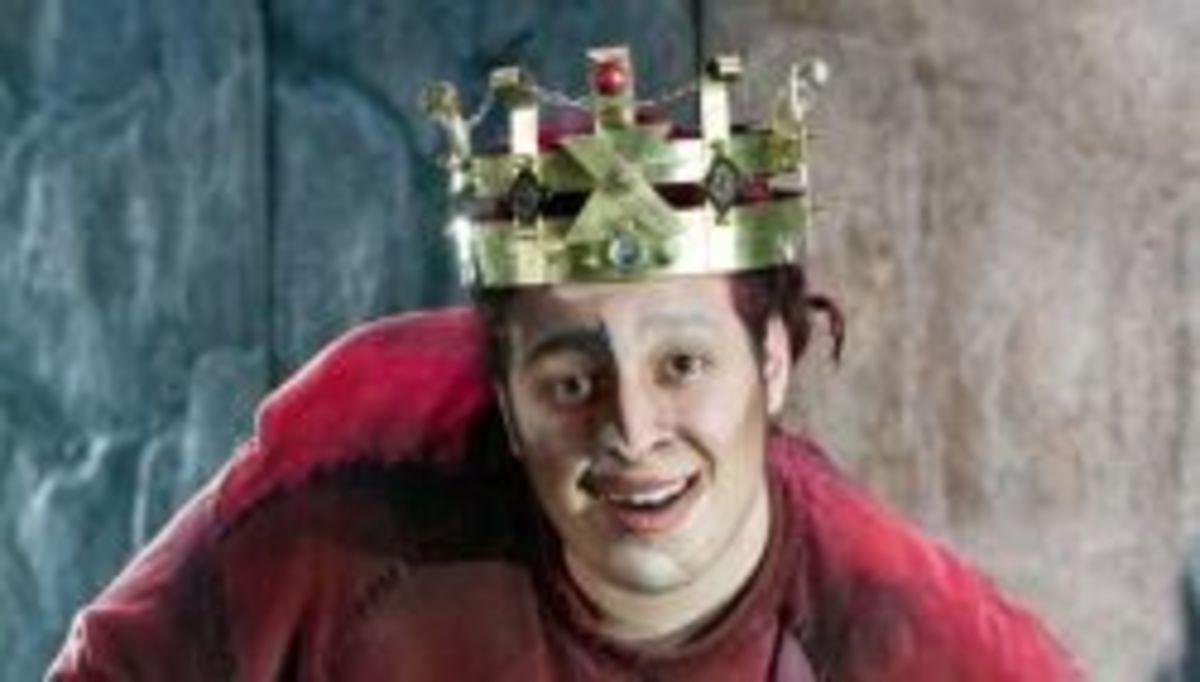 Angelo Del Vecchio as Quasimodo