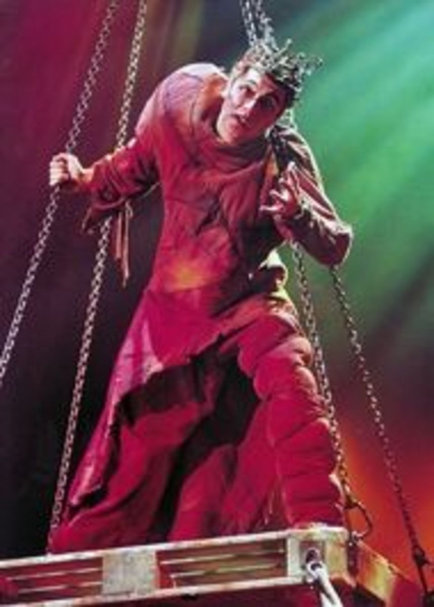 Albert Martinez  as Quasimodo