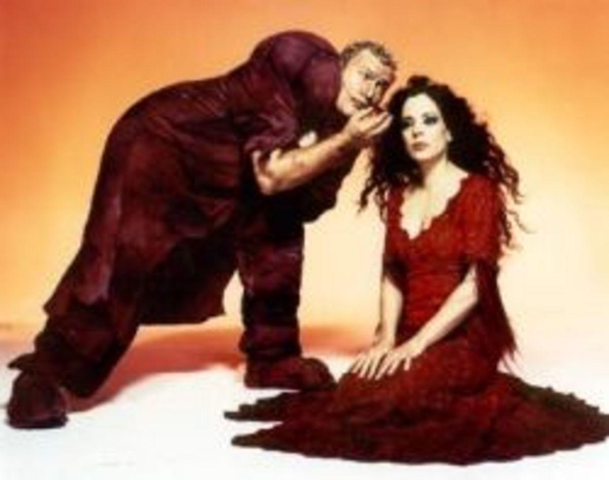 Ian Pirie as Quasimodo with Patti Russo as Esmeralda