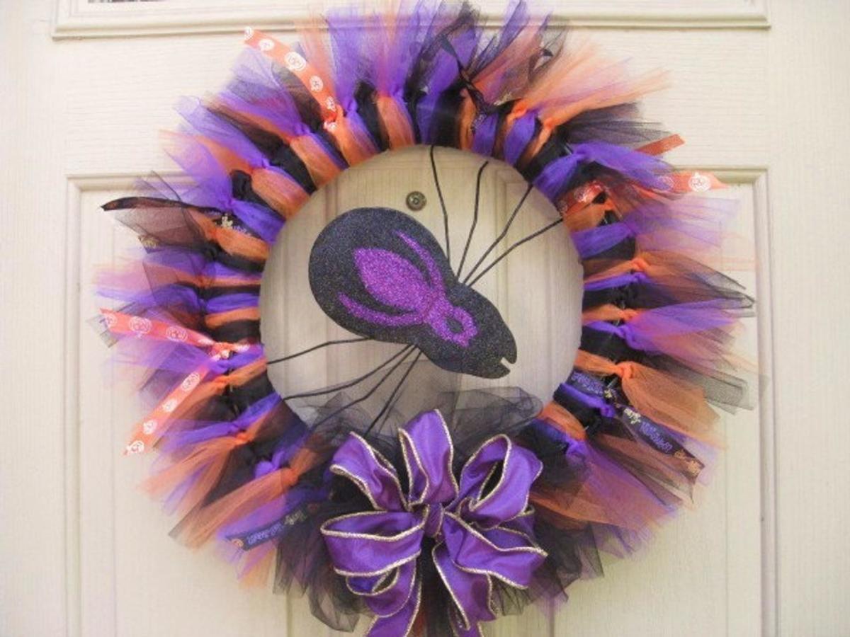 Halloween purple spider wreath with glitter