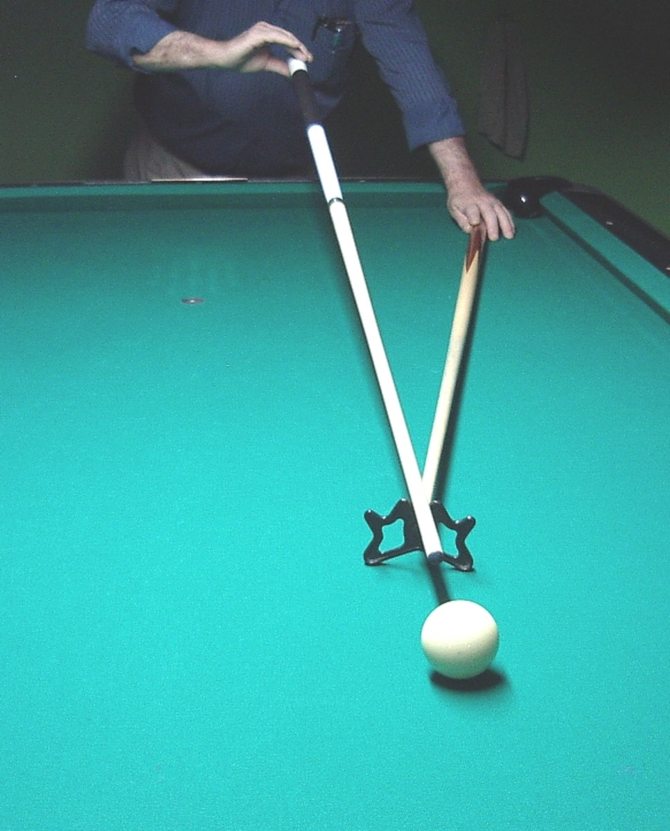How to hold the cue and the rest (2)