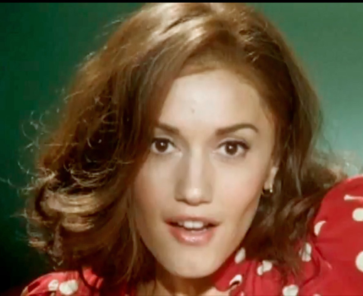 Gwen Stefani As A Brunette With Dark Brown Hair Hubpages