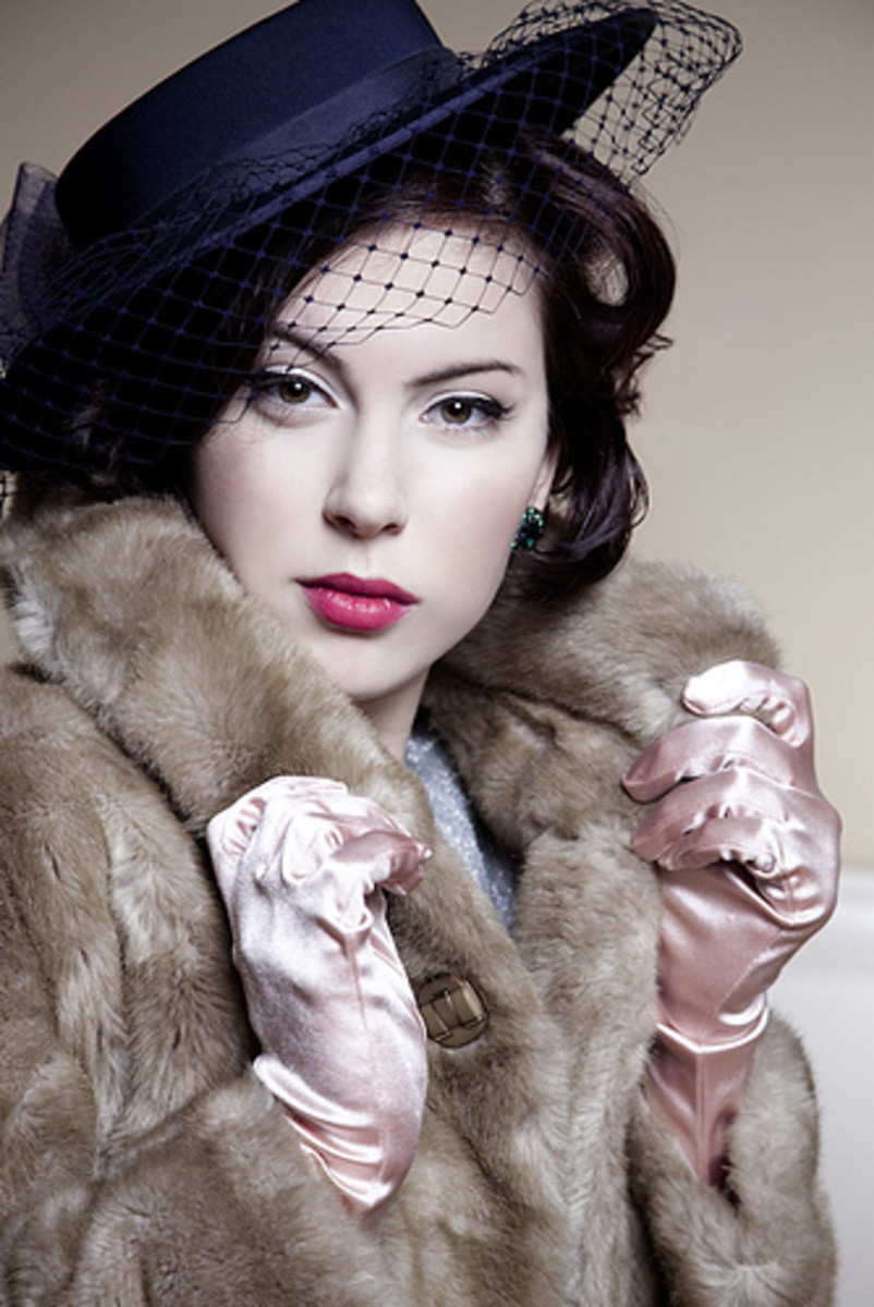 Have Your Own 1940s Burlesque Style Photo Shoot for Men and Women