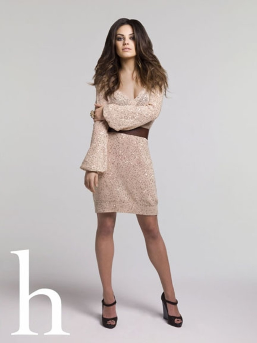 mila-kunis-short-tan-dress