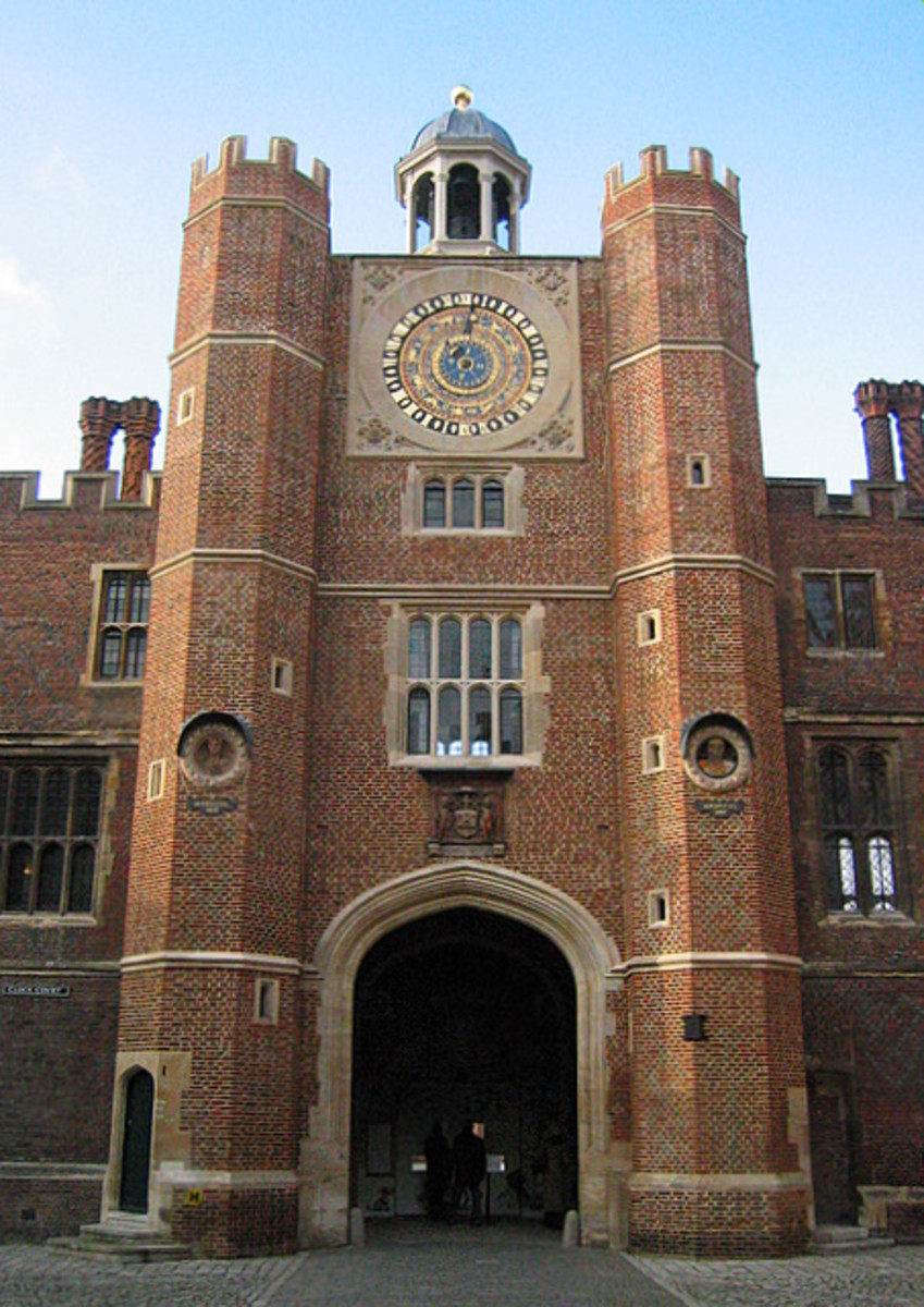 Anne Boleyn's Gateway, Hampton Court Palace