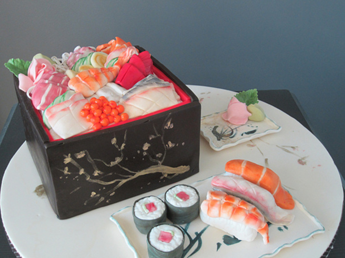 This may look like sushi, but I assure you, it's cake!  This was made in a class at BGC.
