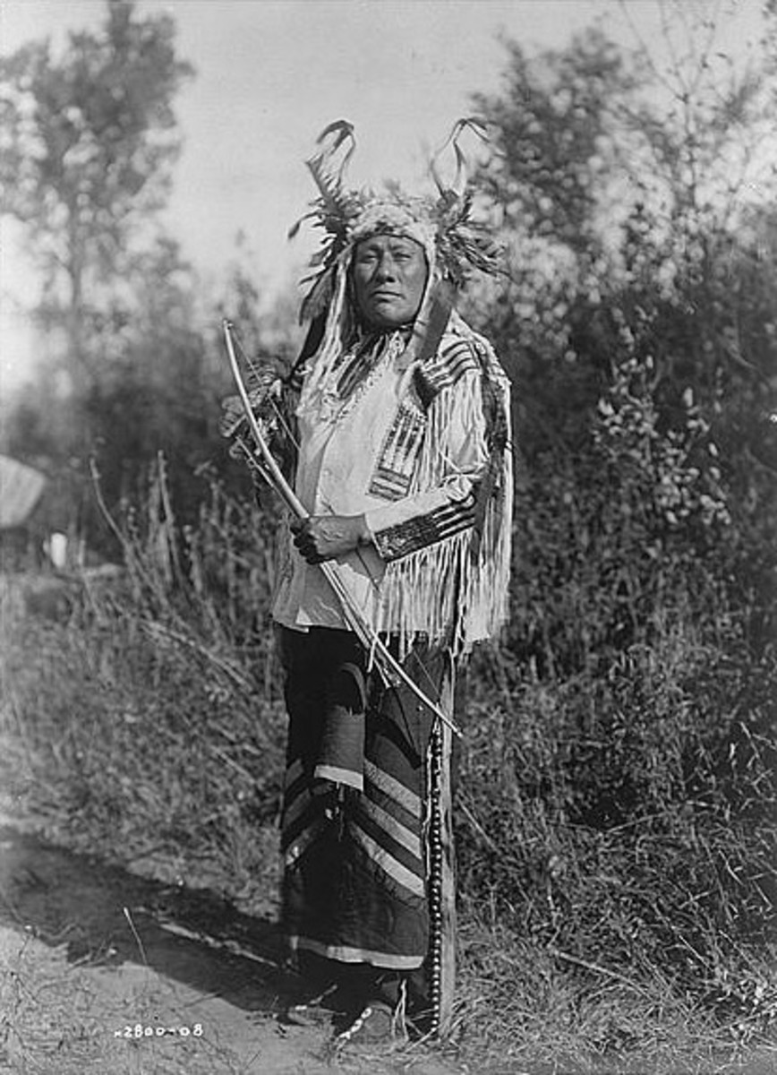 Long Time Dog of the Hidatsa Nation in 1908. Photographed by Edward Curtis.
