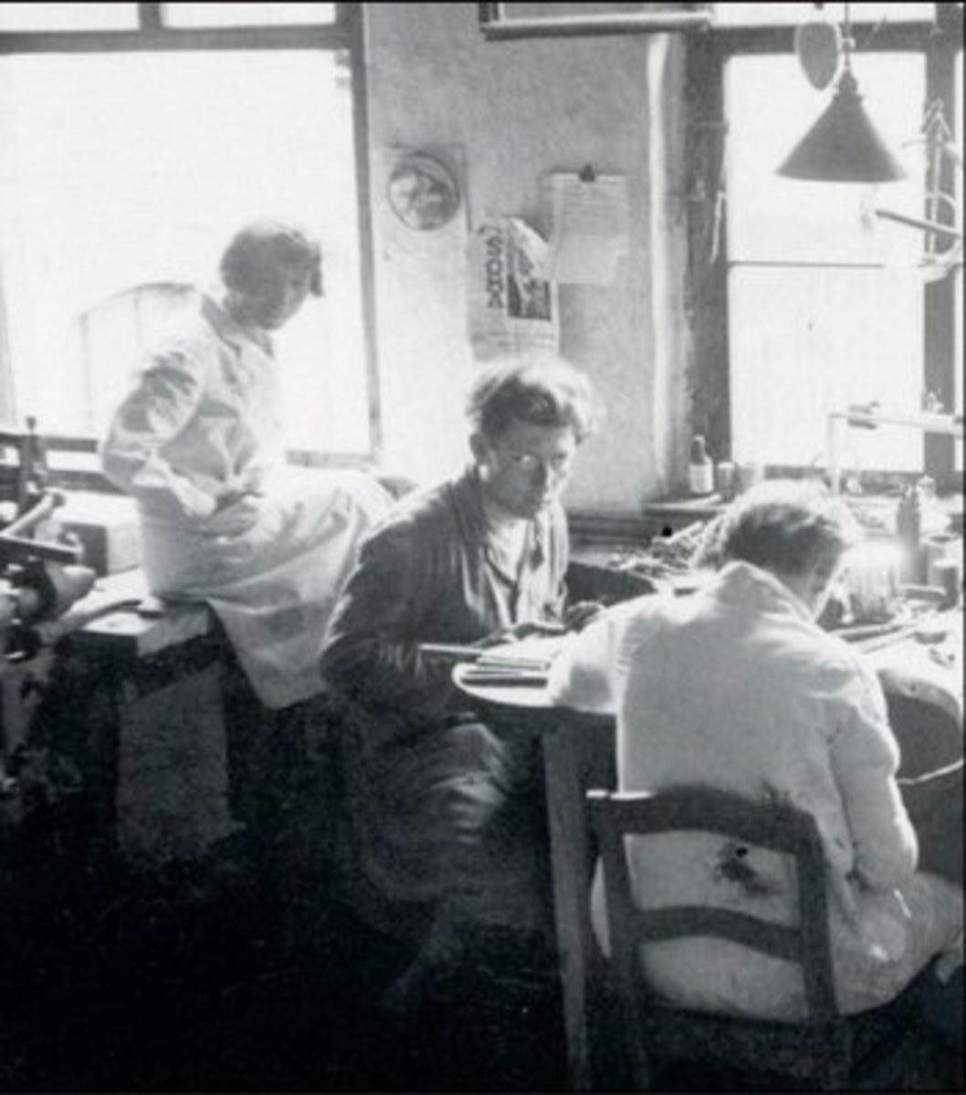 Marianne  and László Moholy Nagy at the Bauhaus Schools's metal workshop.
