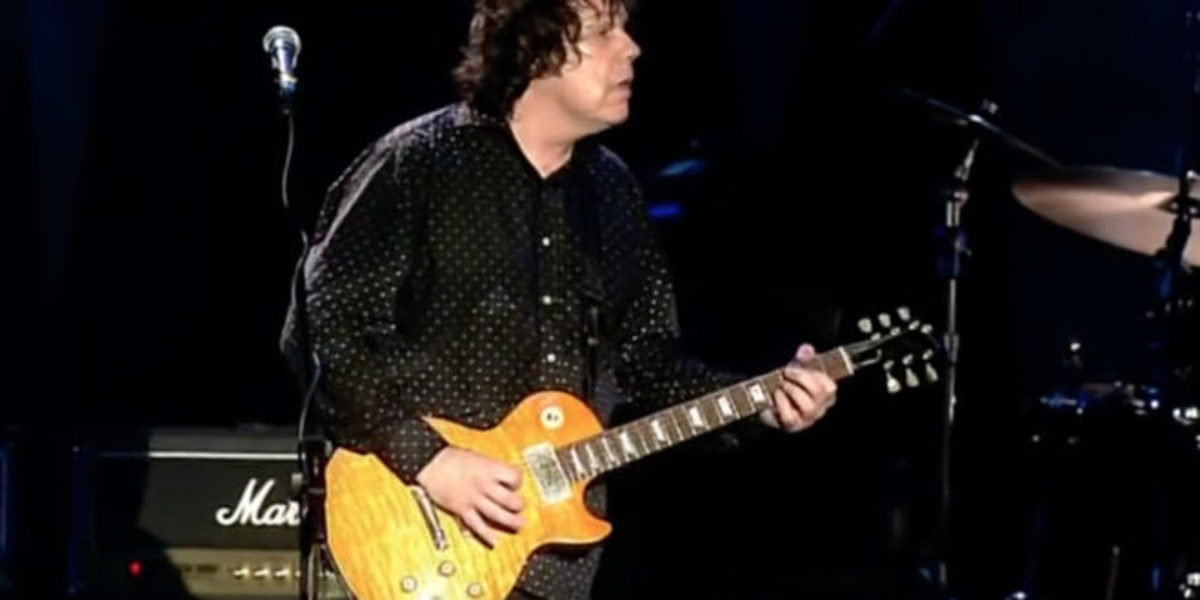 Gary Moore with his famous Les Paul once owned by Peter Green, and currently owned by Kirk Hamett.