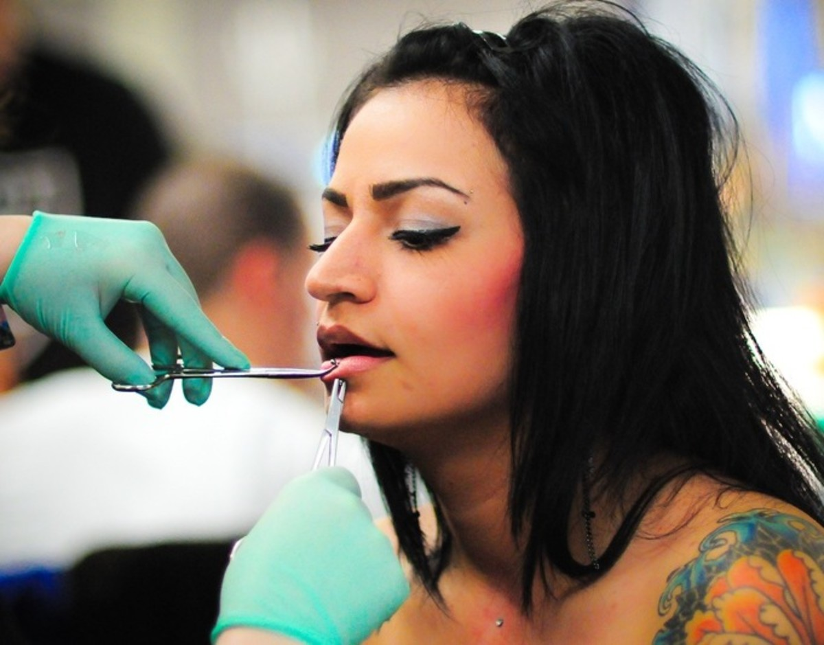lip piercing procedure