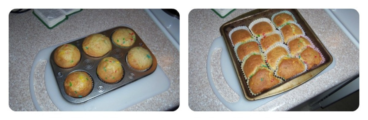 (Left) My cupcakes in a traditional cupcake pan (Right) My cupcakes baked without a cupcake pan. Both were yummy!