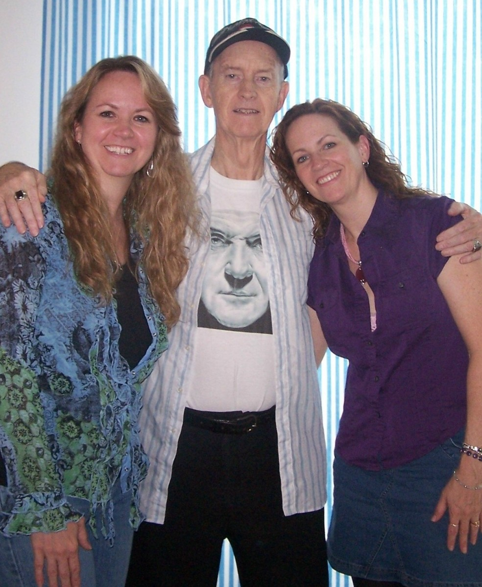 My beautiful sister Kristal, Dad (with one of his portraits printed on T-shirt) and me.