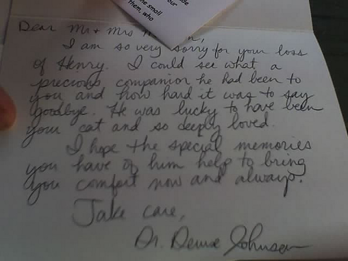 A handwritten sympathy card or letter is extremely meaningful when someone loses a beloved pet.