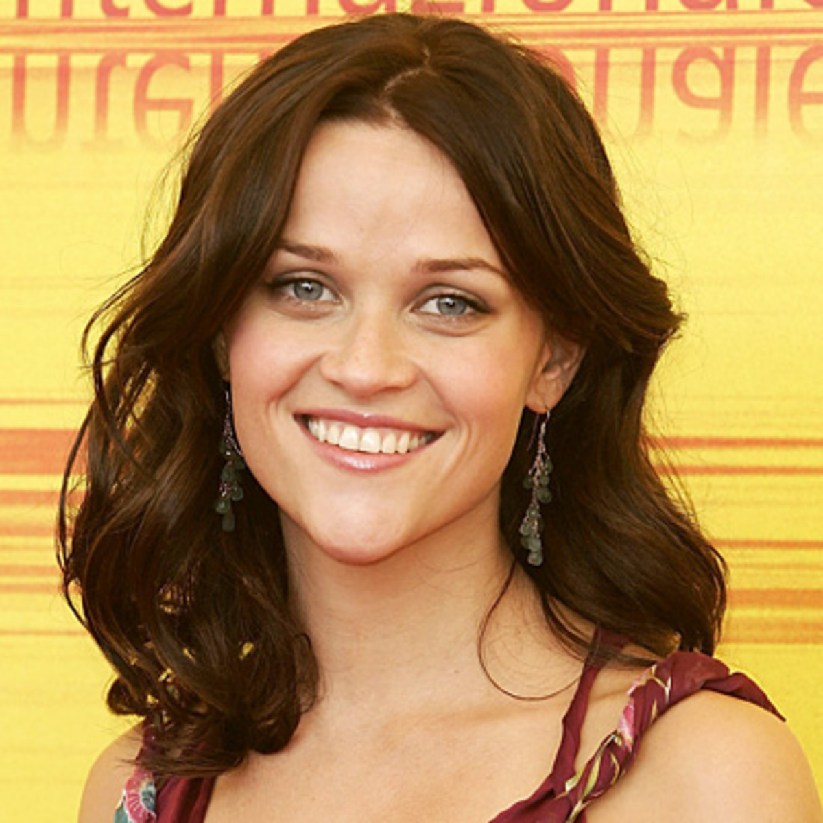 Reese Witherspoon with Shoulder-length Tresses in a Chocolate Brown Hair Color.
