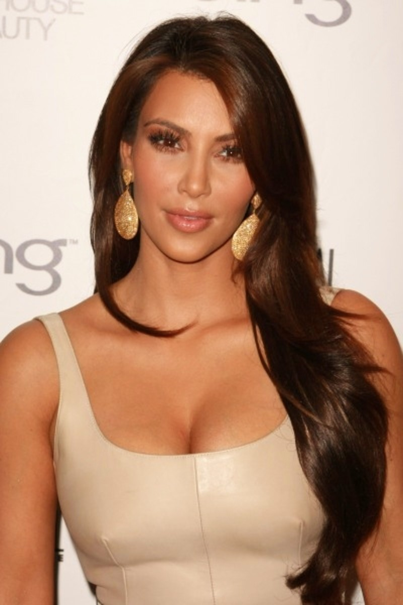 Kim Kardashian in Long, Wavy Chocolate Brown Hair Extensions