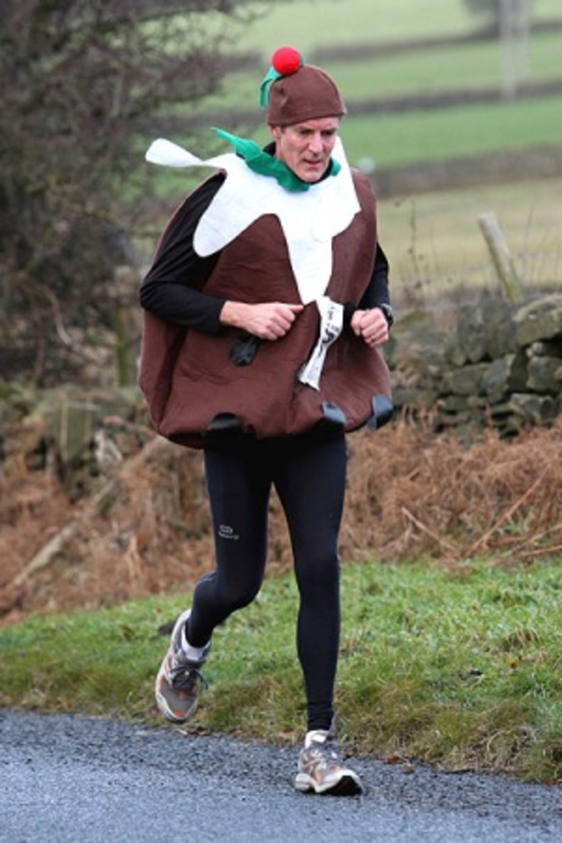 Jogger in Christmas Pudding Costume