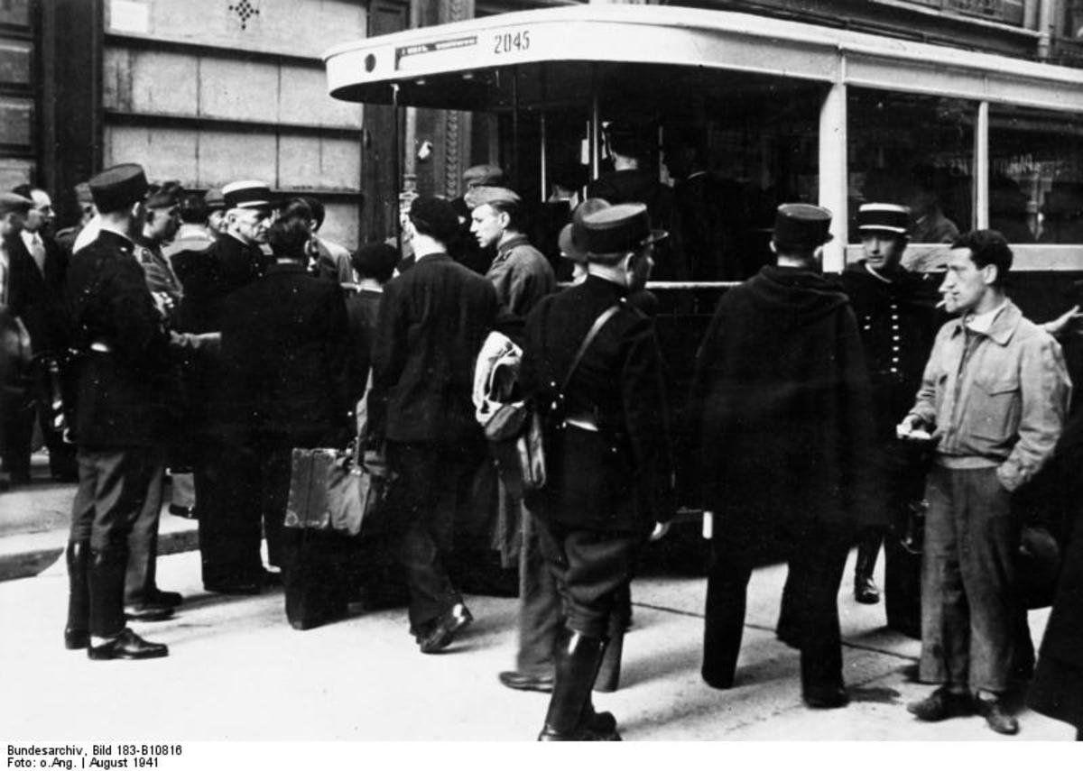 Arrest likely to lead to deportation of Jewish people by both French Parisian Police and German Army. Municipal buses from the Paris Transport Authority (RATP) were often used for that purpose